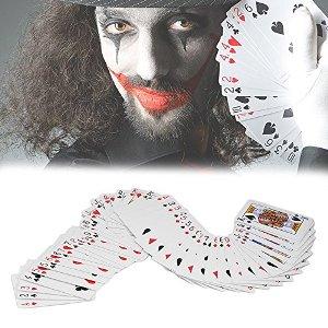 Comprar barajas de cartas para magia en Amazon.